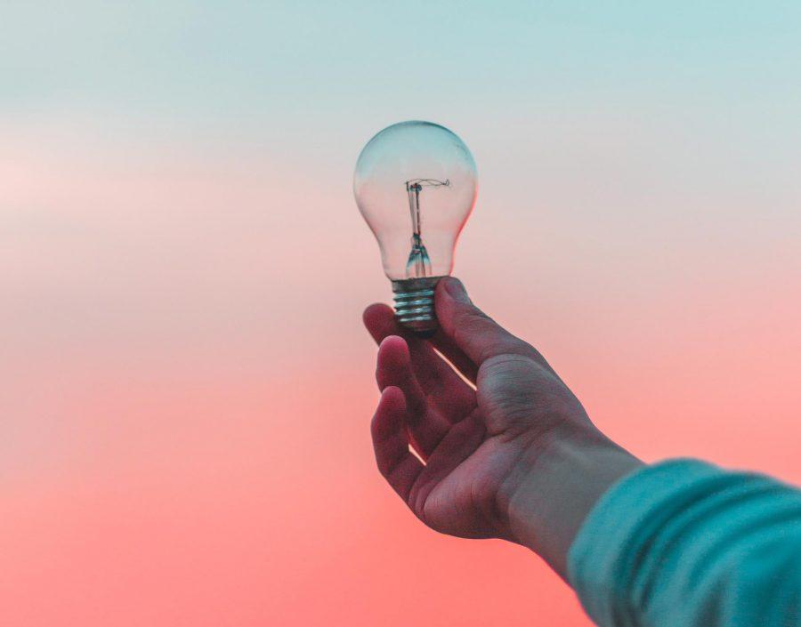 Onnistunut verkkosivuprojekti lamppu